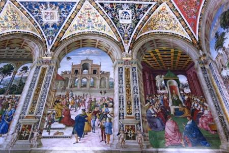 Siena katedralindeki duvar motifleri