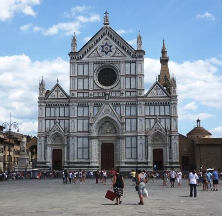 Piazza Santa Croce (Santa Croce Meydanı) ve Basilica di Santa Croce (Santa Croce Bazilikası)