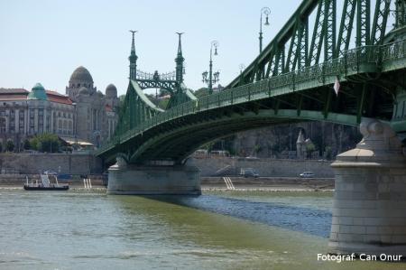 Szabadság híd (Liberty Bridge, Özgürlük köprüsü)