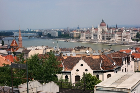 Tuna Nehri ve Parlamento binası.