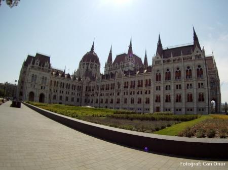 Parlamento binası.