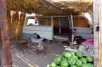Karpuz tezgâhı ve minibüs